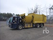 2010 freightliner ca125slp & Us