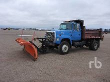 1997 Ford L8000 S/A Plow Truck