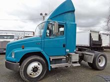 2001 Freightliner Single Drive