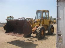 Used CATERPILLAR 910