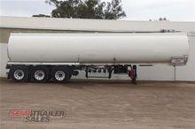 03/1989 Hockney Fuel Tanker Sem