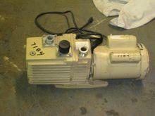 1 CFM Leybold Vacuum Pump 7184