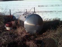 800 Gallon Bulk Tank