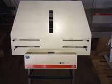 Bacher plate punching device