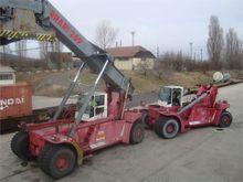 2000 excavator - reach stacker