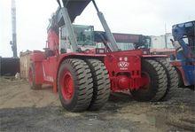 2004 excavator - reach stacker