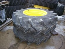 John Deere 18.4-30 Wheels & Tir