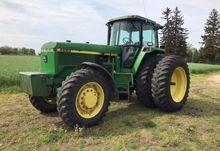 1992 John Deere 4560