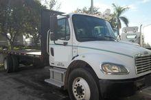 2004 Freightliner M2
