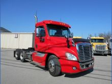 2012 Freightliner CA125DC-Casca