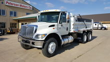 2004 International 7400 Tandem