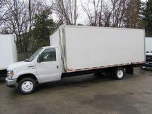 2013 Ford E-450 gas 18 ft box c