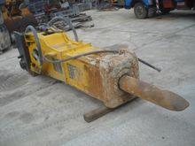 Hydraulic Hammer : HB4200 Dust