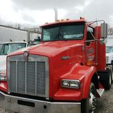 1999 Kenworth T800B Day Cab #70