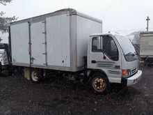 2005 GMC W4500 14' Box Truck #7