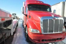 2011 Peterbilt 387 Sleeper(Non-