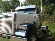 2009 Freightliner FLD 120SD Day