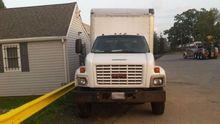 2005 GMC C7500 Box Truck (Non-R