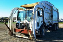 2002 Mack MR690S Garbage Truck