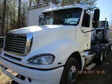 2006 Freightliner Columbia Day
