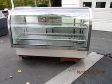 Curved Glass Refrigerated Deli