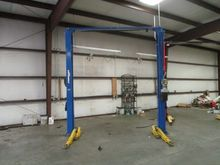 Forward Lift 10,000 lb Capacity
