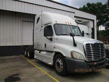2009 Freightliner Cascadia Slee