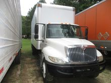 2008 International 4300 26' Box