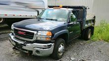2006 GMC Sierra 3500 10' Dump T