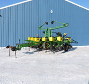 "JD 1760 ""CONSERVATION"" PLANTER"