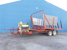 NH 1044 BALE WAGON