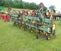 Used JD 825 CULTIVAT