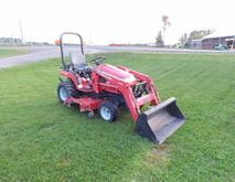 MF GC2300 COMPACT TRACTOR