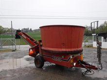 Farmhand XG30 Tub Grinder