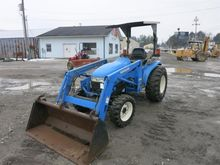 New Holland TC 33