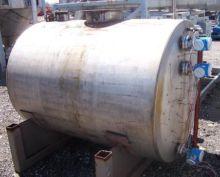 550 gallon horizontal T-304 sta