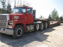 Used 1988 FORD LT900