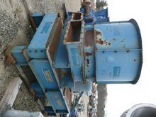 60 HP Gruendler Bulk Waste Pape