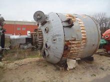 Used 3,000 Gallon 10