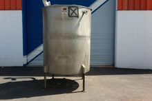 700 Gallon Vertical Tank, 4'9″