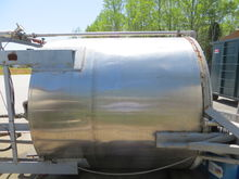 1,000 Gallon Stainless Steel Ta