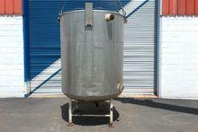 700 Gallon Jacketed Tank, 4'9″