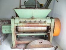 ONE ROLLER MILL MANUFACTURED BY