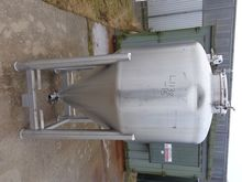 Used 1045 Litres 316