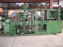 1988 INJECTION MOLDER BY PONAR