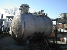 2,200 Gallon Horizontal Stainle