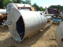 950 Gallon Stainless Steel Vert