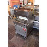 2005 Bread slicemachine Treif
