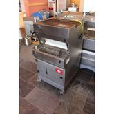 2005 Bread slicemachine Treif