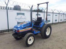 Iseki 324 Compact Tractor - Q12